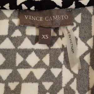 Vince Camuto Tops - Vince Camuto Sleeveless vneck Blouse in XS